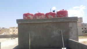 Die Wassertanks zur Sicherung der Versorgung